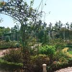 バラ庭園の入り口